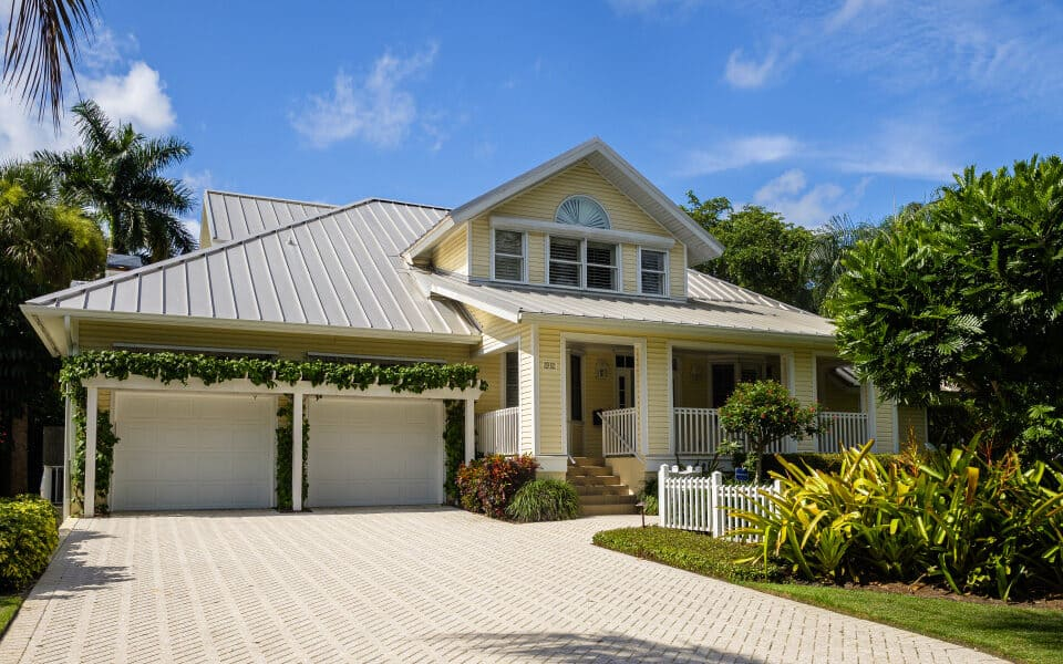 Average cost of homeowners insurance in Naples Florida